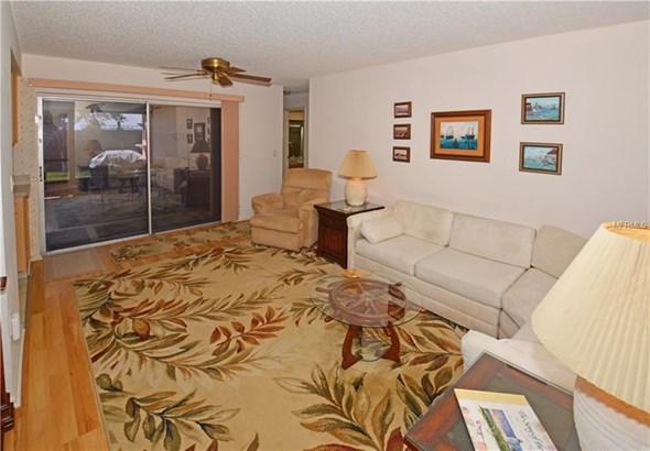 13390 Hacienda Drive, Largo, FL - USA (photo 2)