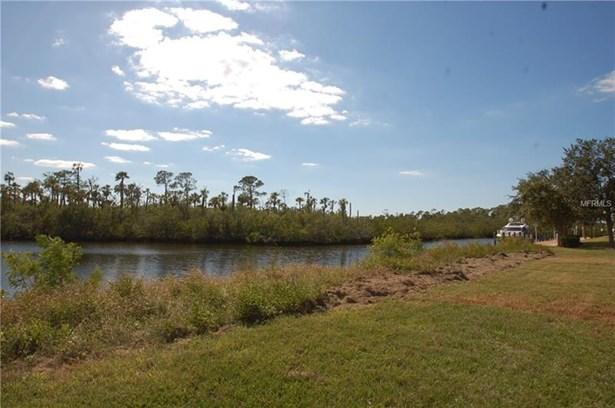 4300 Green Key Road, New Port Richey, FL - USA (photo 3)
