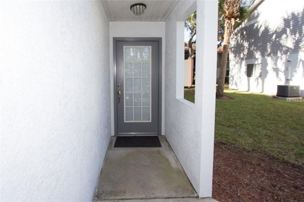 9215 Jakes Path, Largo, FL - USA (photo 3)