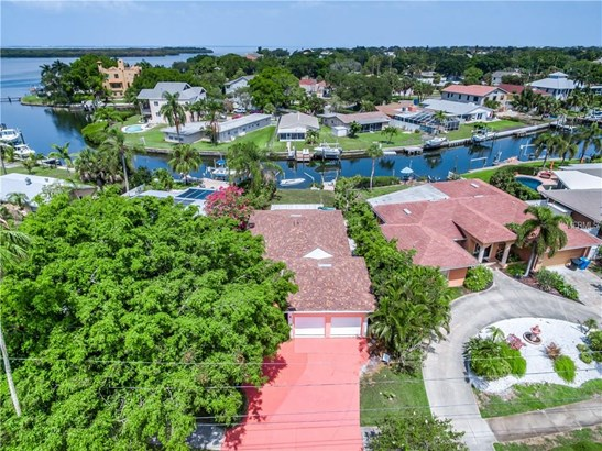 5611 Bayou Grande Boulevard North East, St. Petersburg, FL - USA (photo 1)