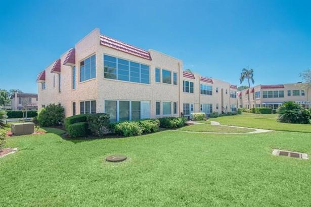207 Buttonwood Circle, Seminole, FL - USA (photo 1)