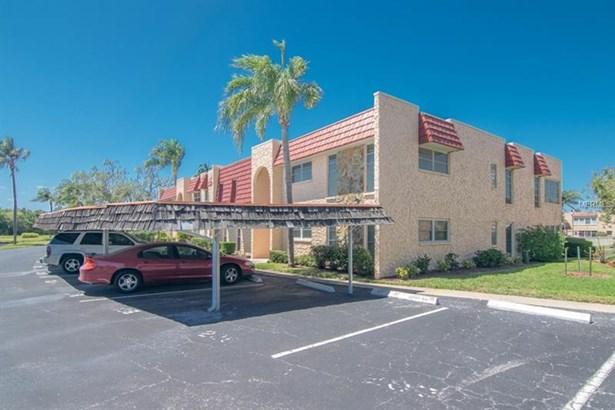 207 Buttonwood Circle, Seminole, FL - USA (photo 2)