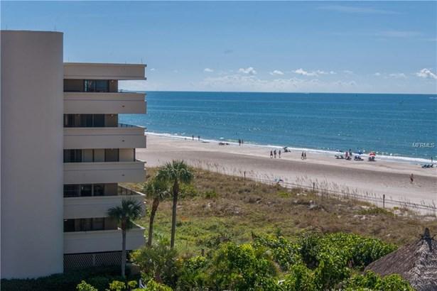 4450 Gulf Boulevard 107, St. Petersburg Beach, FL - USA (photo 2)