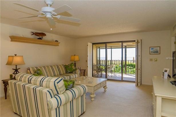 4450 Gulf Boulevard 107, St. Petersburg Beach, FL - USA (photo 3)