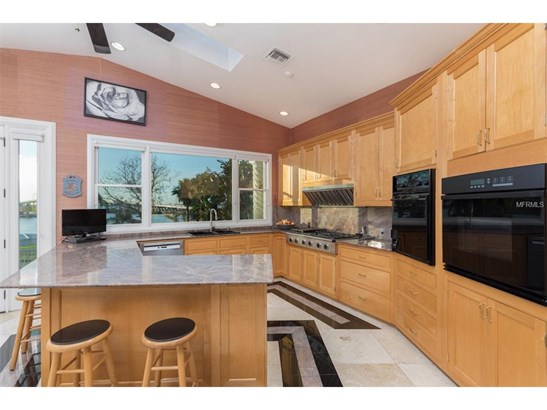 106 Harbor View Lane, Belleair Bluffs, FL - USA (photo 3)