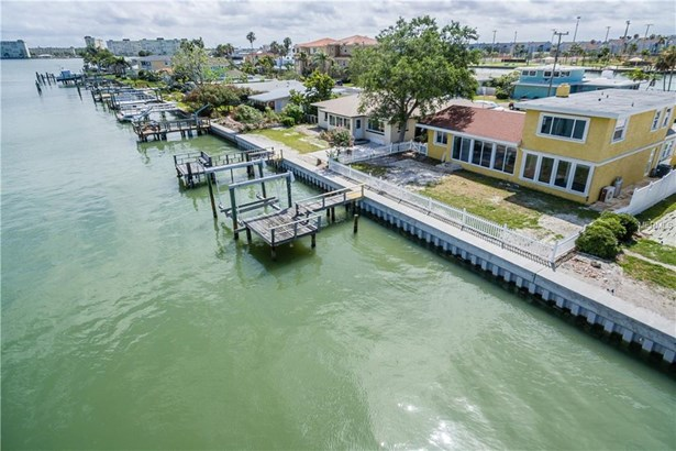 15315 Harbor Drive, Madeira Beach, FL - USA (photo 1)