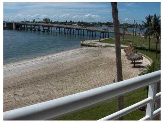 5701 Bahia Del Mar Circle 301, St. Petersburg, FL - USA (photo 2)