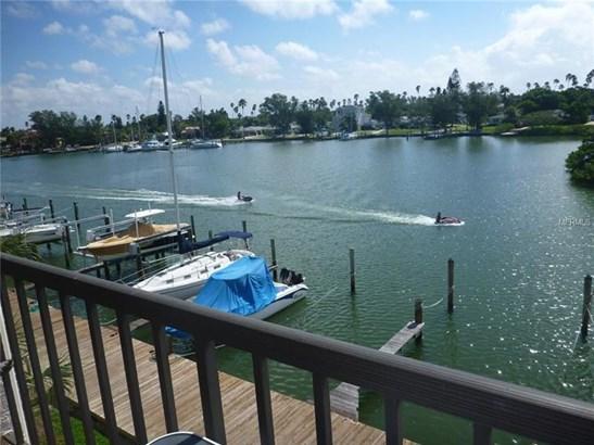 3111 Pass-a-grille Way 213, St. Petersburg Beach, FL - USA (photo 2)
