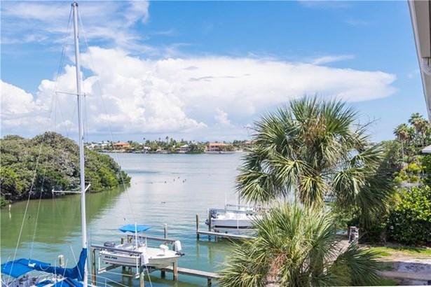 3111 Pass-a-grille Way 213, St. Petersburg Beach, FL - USA (photo 4)