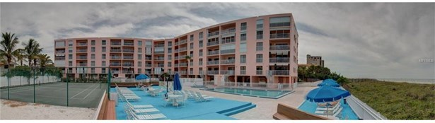 1000 Gulf Boulevard 202, Indian Rocks Beach, FL - USA (photo 2)