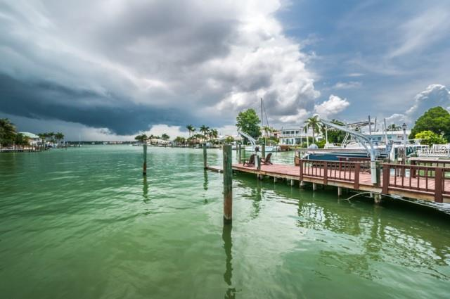 12155 7th Street East, Treasure Island, FL - USA (photo 4)