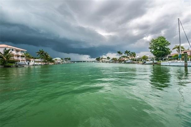 12155 7th Street East, Treasure Island, FL - USA (photo 5)