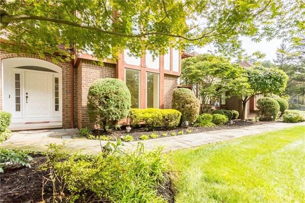 7936 Oak Brook Circle, Victor, NY - USA (photo 2)
