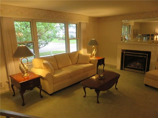 218 Fox Hall Drive, Irondequoit, NY - USA (photo 5)