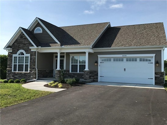 8686 Cherry Bark Lane, Batavia, NY - USA (photo 1)
