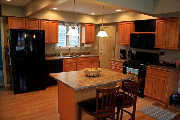 56 Crest View Drive, Penfield, NY - USA (photo 4)