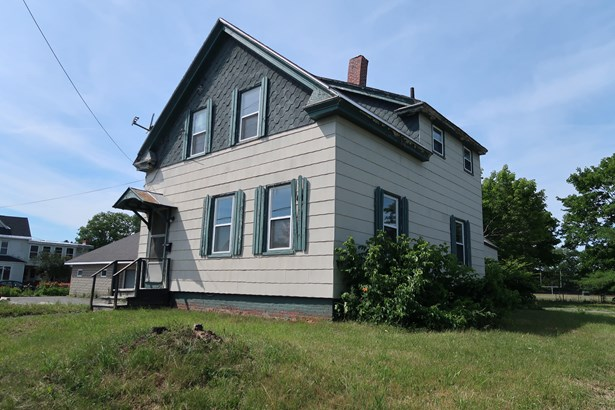 Single Family Residence, New Englander - Waterville, ME