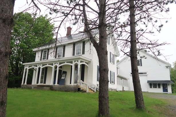 Single Family Residence, Colonial - Searsport, ME