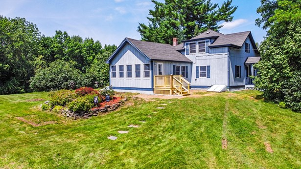 Single Family Residence, Cape - Winthrop, ME