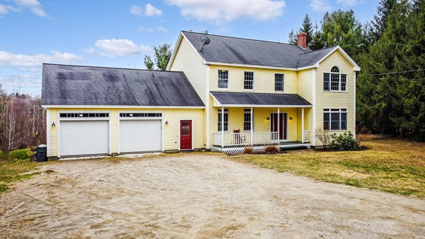 Colonial,Multi-Level, Single Family Residence - Farmingdale, ME