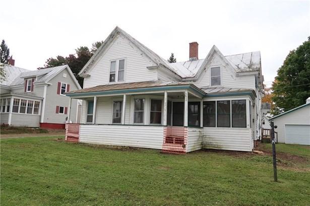 Single Family Residence, Cape,New Englander - Madison, ME
