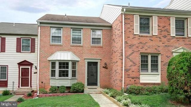 Townhouse, Interior Row/Townhouse - ANNANDALE, VA