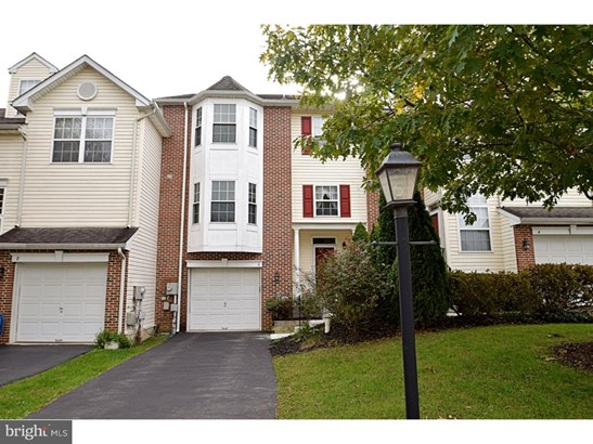 Townhouse, Row/Townhouse - COLLEGEVILLE, PA