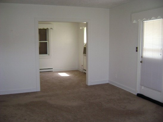 Residential/Vacation, 1 Story,Ranch - Emporia, VA (photo 5)
