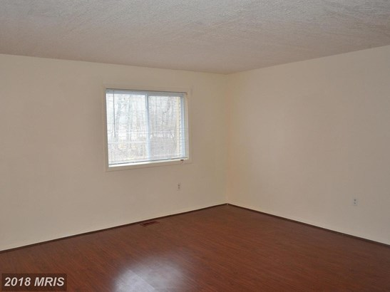 Colonial, Attach/Row Hse - LAUREL, MD (photo 4)
