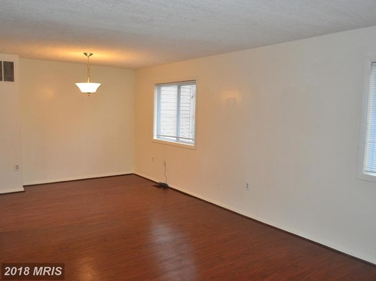 Colonial, Attach/Row Hse - LAUREL, MD (photo 5)