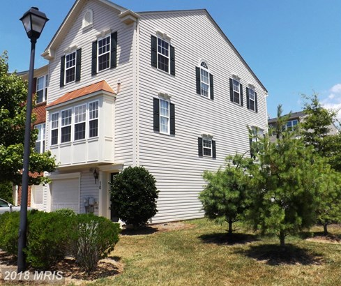 Townhouse, Colonial - FALLING WATERS, WV (photo 2)