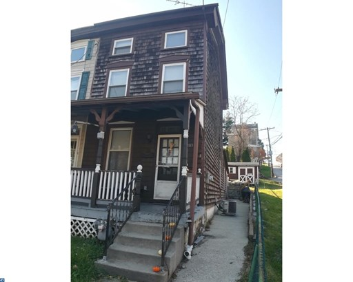 Row/Townhouse, StraightThru,EndUnit/Row - WEST CONSHOHOCKEN, PA (photo 1)