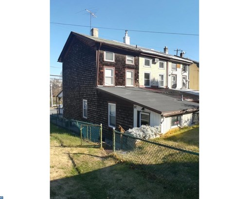 Row/Townhouse, StraightThru,EndUnit/Row - WEST CONSHOHOCKEN, PA (photo 2)