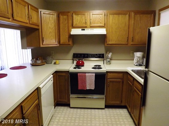 Townhouse, Colonial - HEDGESVILLE, WV (photo 4)