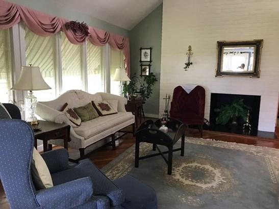 2 Story, Traditional, Single Family - Chase City, VA (photo 4)