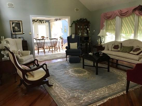 2 Story, Traditional, Single Family - Chase City, VA (photo 5)