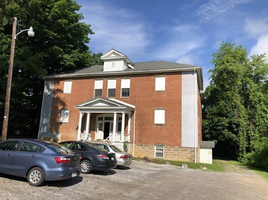 Apartment Building - Christiansburg, VA (photo 1)