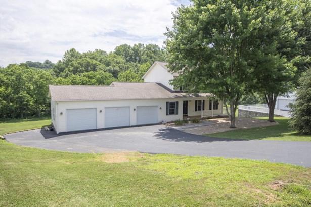 Residential, 2 Story - Fincastle, VA (photo 4)