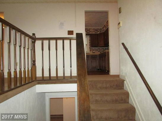 Split Foyer, Detached - MANCHESTER, MD (photo 2)