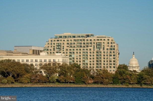 Multi-Family, Penthouse Unit/Flat/Apartment - WASHINGTON, DC