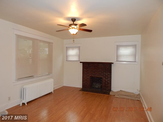 Traditional, Detached - PIKESVILLE, MD (photo 4)