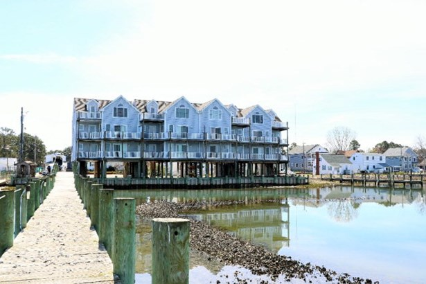 Townhouse, Single Family - Chincoteague, VA (photo 1)