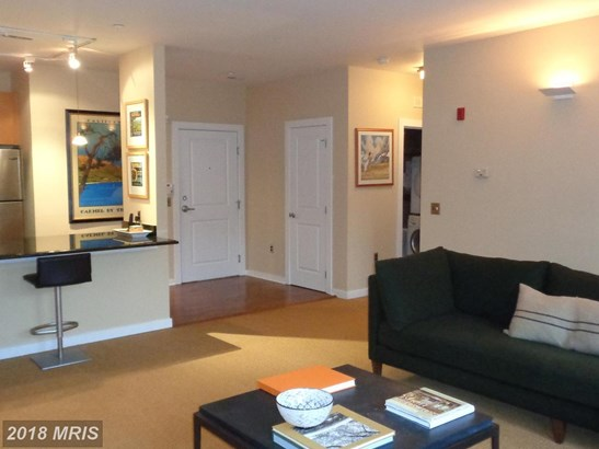 Rancher, Mid-Rise 5-8 Floors - BALTIMORE, MD (photo 5)