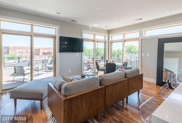 Mid-Rise 5-8 Floors, Contemporary - WASHINGTON, DC (photo 2)