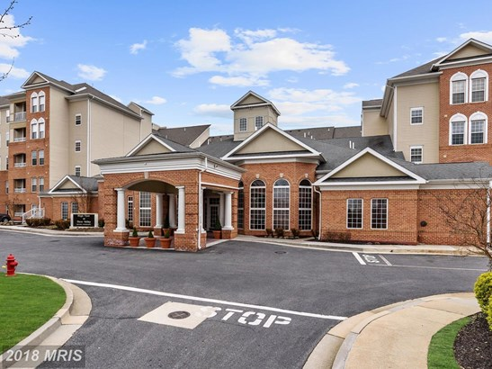 Mid-Rise 5-8 Floors, Colonial - COCKEYSVILLE, MD (photo 1)