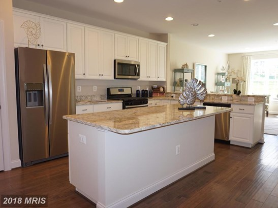 Townhouse, Traditional - COLUMBIA, MD (photo 2)