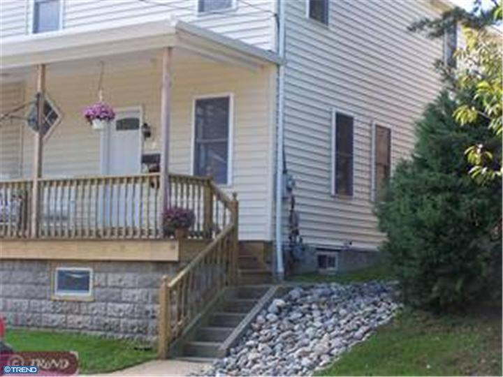 Semi-Detached, Colonial - ROYERSFORD, PA (photo 1)