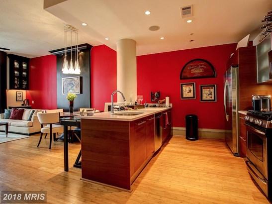 Mid-Rise 5-8 Floors, Contemporary - RESTON, VA (photo 4)