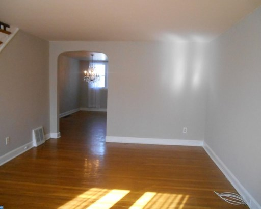Row/Townhouse, Colonial,AirLite - CLIFTON HEIGHTS, PA (photo 4)