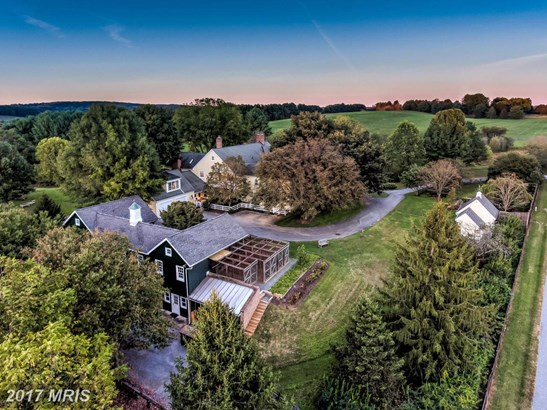 Farm House, Detached - COCKEYSVILLE, MD (photo 2)